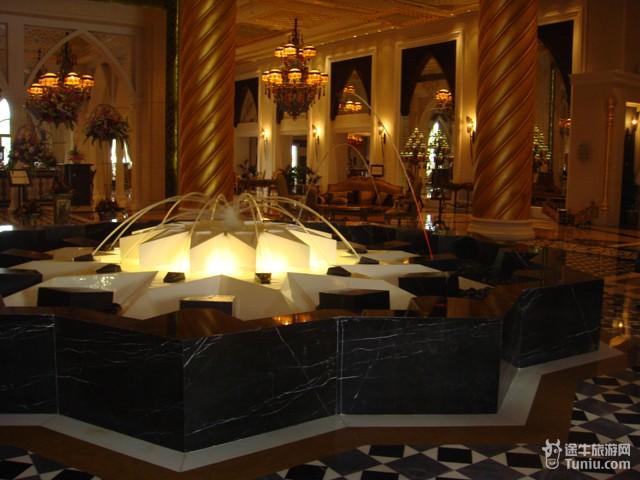 迪拜棕榈岛皇家酒店_裕安图片网; 迪拜旅游; 灵异图片令人产生幻觉