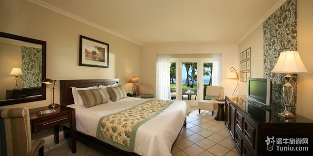 酒店提供 24小时客房服务 会议设施 儿童看护服务 夜总会 家庭房