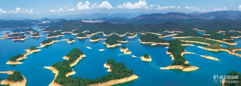 简介: 黄山尖景点位于千岛湖东南湖区珍珠列岛内,距千岛湖镇8公里,与