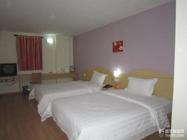 大酒店坐落于厦门市商业中心,现代潮流与经典风格交相辉映,与钢琴之岛