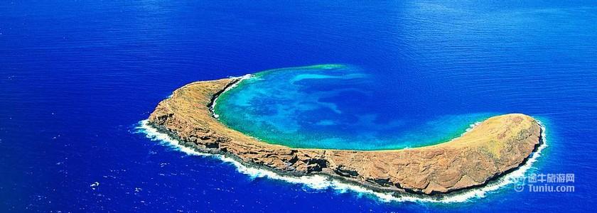 地理位置:位于南太平洋