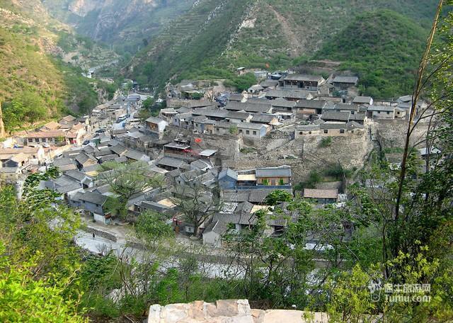 爨底下村位于北京市门头沟区斋堂镇西3公里