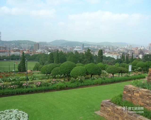 比林斯堡动物园图片; 比邻斯堡动物园-南非线路图片