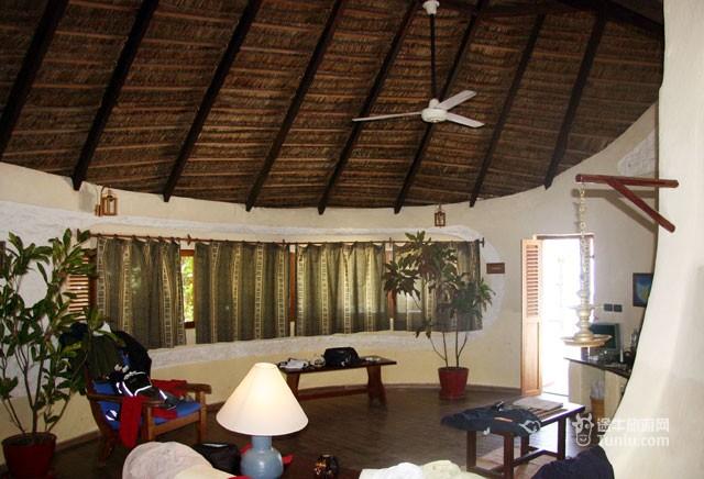 水上屋 water villa 尼卡岛拥有10栋水上屋,这些水上屋都位于暗礁