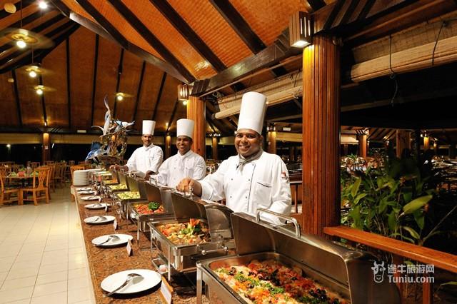 马累北环礁旅游 天堂岛旅游   选择含全餐的客人将在主餐厅内享用自助