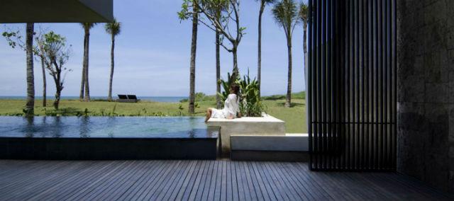 建筑二層為海景泳池別墅,其下就是海灘泳池別墅,為您提供頂級豪華的
